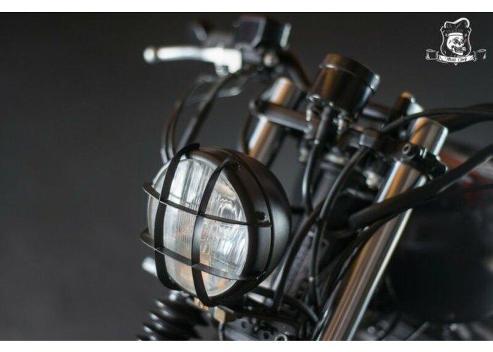 Honda CB 750 Night Hawk Street Tracker