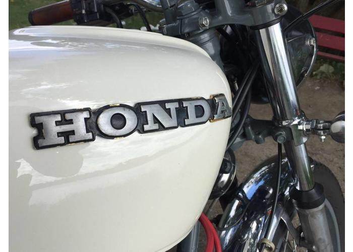 Beautifully restored and customized Honda CD550 - Numbnut #12