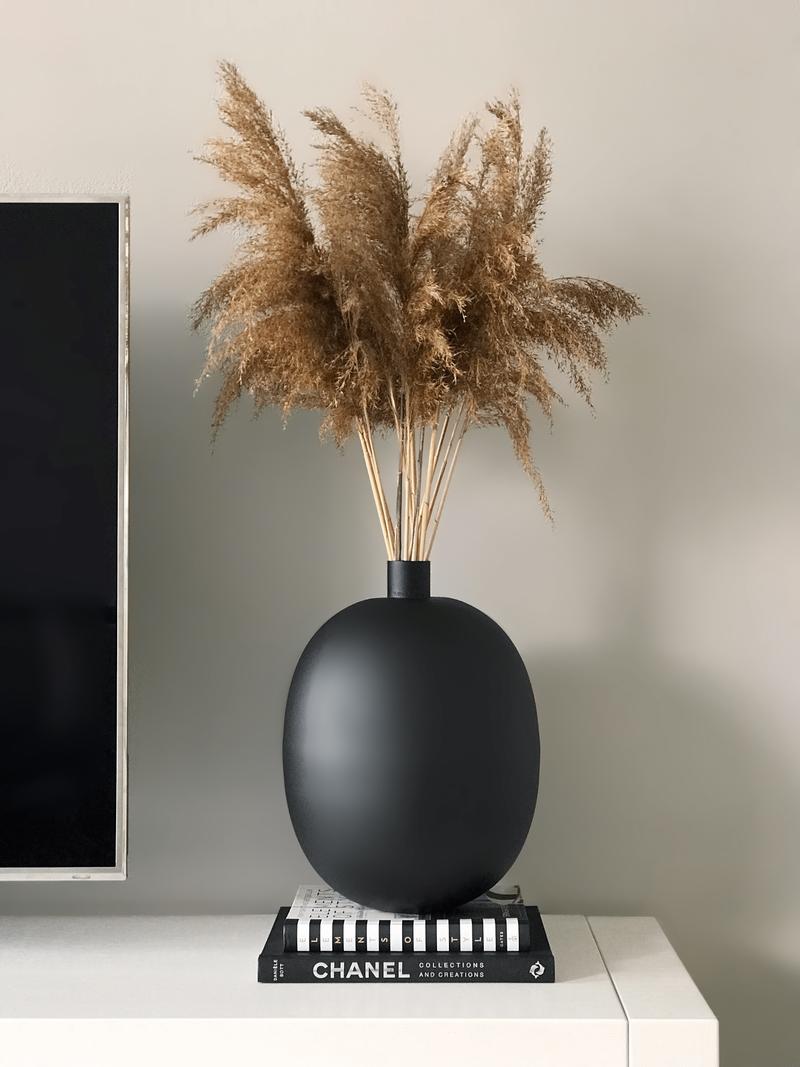 Black Metal Vase Ø26