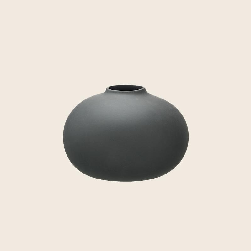 Matte Vase Dark Grey Ø17