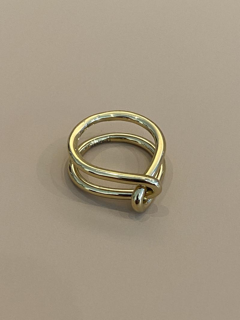 Bandhu Wire Ring Gold
