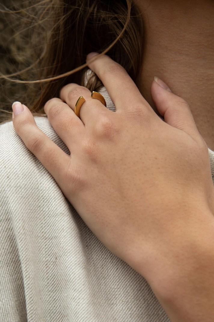 Bandhu Vinyasa Ring Gold