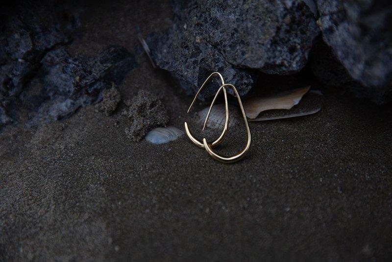 Bandhu Teardrop Earrings Gold