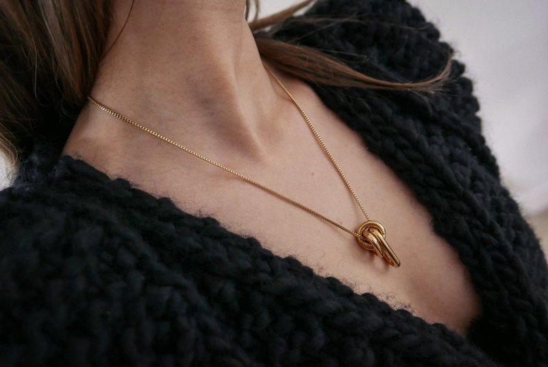 Bandhu Linked Necklace Gold