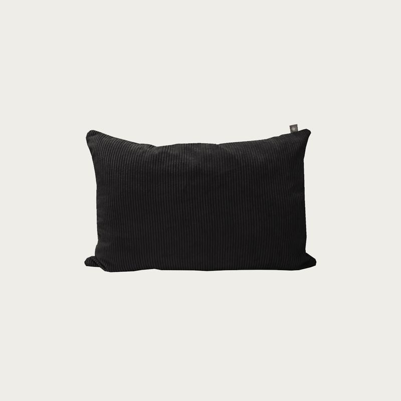 Black Ribbed Pillow 40x60