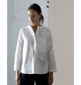 Dutchess Pocket shirt - white emboidery