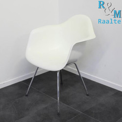 Vitra Eames Armchair DAX Design Stoel - Wit