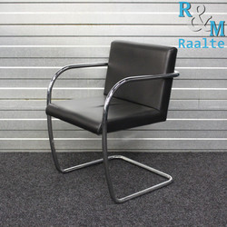 Fasem BRNO Design stoel