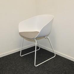 Witte Design stoel  slede- wit