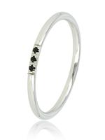 My Bendel Zilveren Dunne Ring met Drie Zwarte Steentjes
