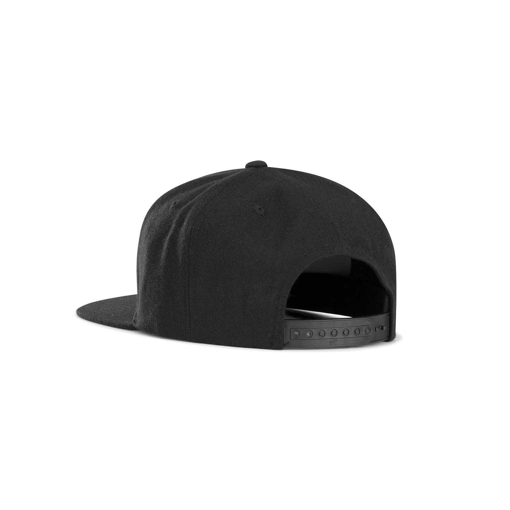BLACK Snapback BLACK