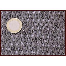 Bisschopsmantel maliënkraag platte ringen wigvormige klinknagels