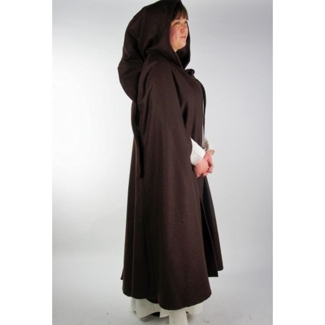 Leonardo Carbone Medieval cloak Odelia