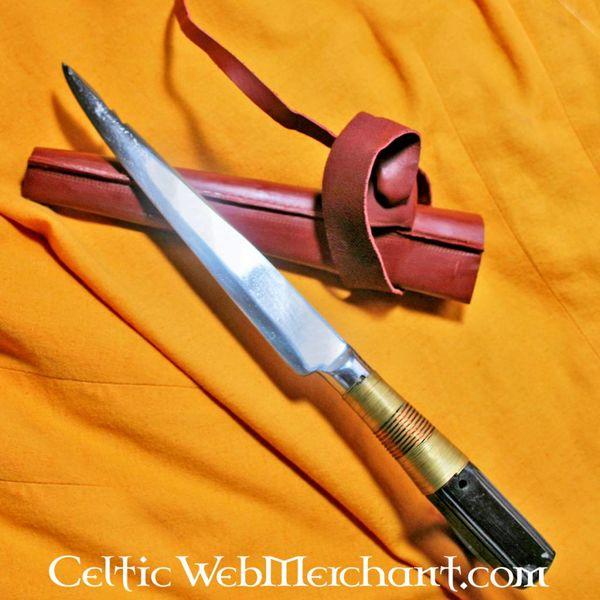 Średniowieczny stół nóż