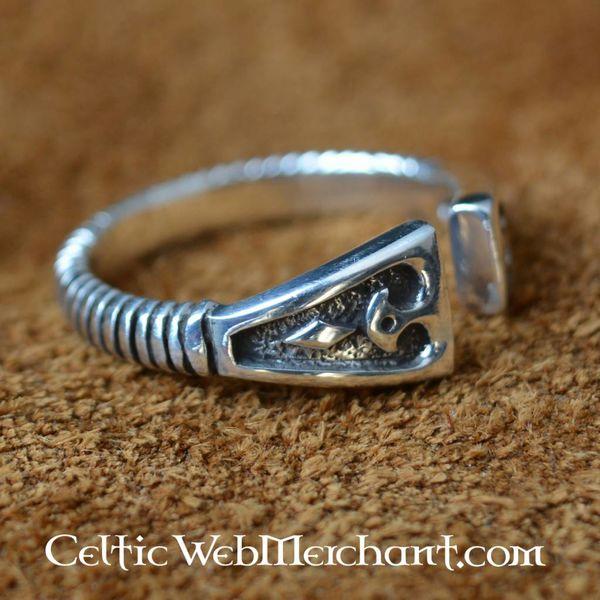 Zilveren Vikingring met diamantmotief