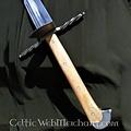 Grosses Messer mit muschelförmigen guard