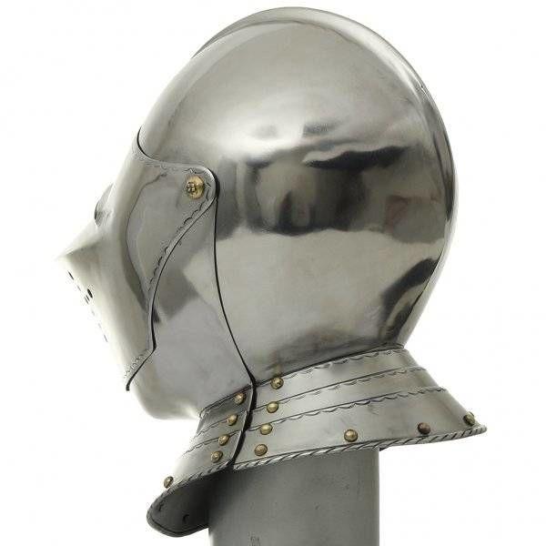 Italiensk turnering hjelm
