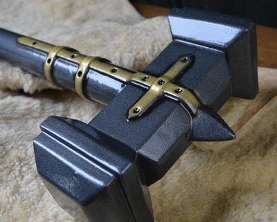 LARP akser og percussion våben