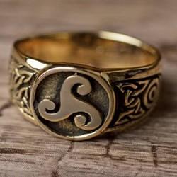 Moderna keltiska smycken