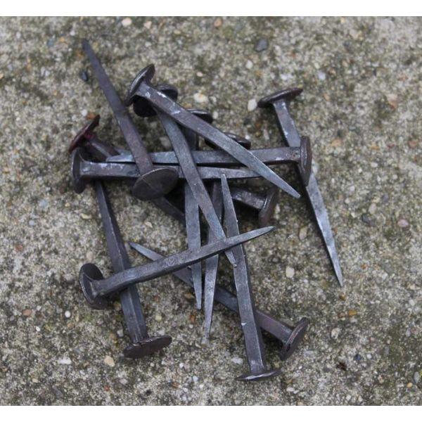 10 historical nails short