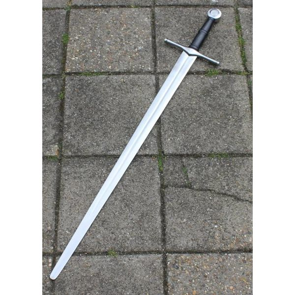 Hand-and-a-half sword Ruaidrí