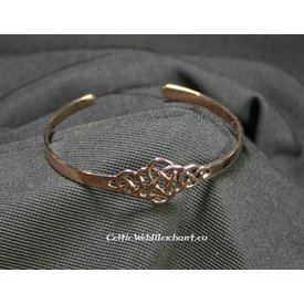 Bracelet with Celtic knot