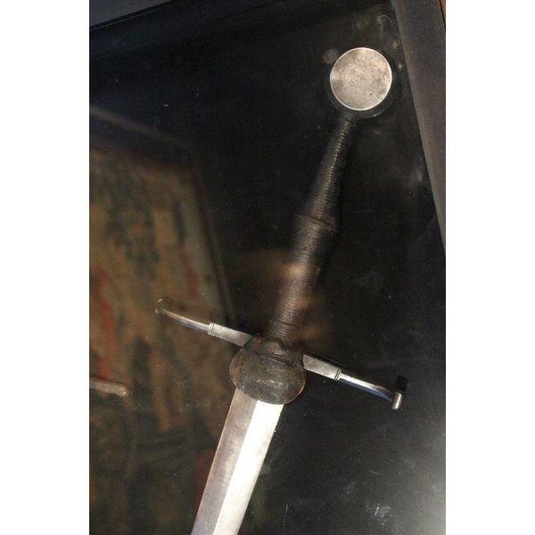 Deepeeka Espada a mano y media Musée de Cluny