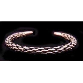 Flätat brons armband