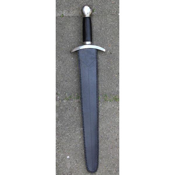 Middeleeuws kort zwaard (gevechtsklaar)