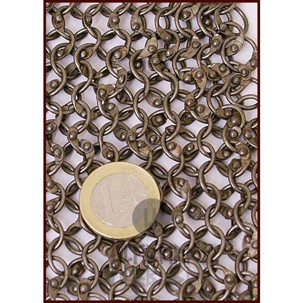 Ulfberth Maliënkap met vierkante hals, onbehandeld, ronde ringen-ronde klinknagels. 8 mm