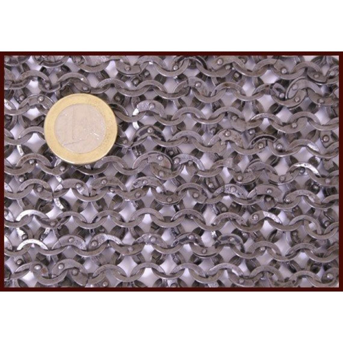 Ulfberth Camail à encolure carrée, anneaux plats - rivets ronds, 8 mm