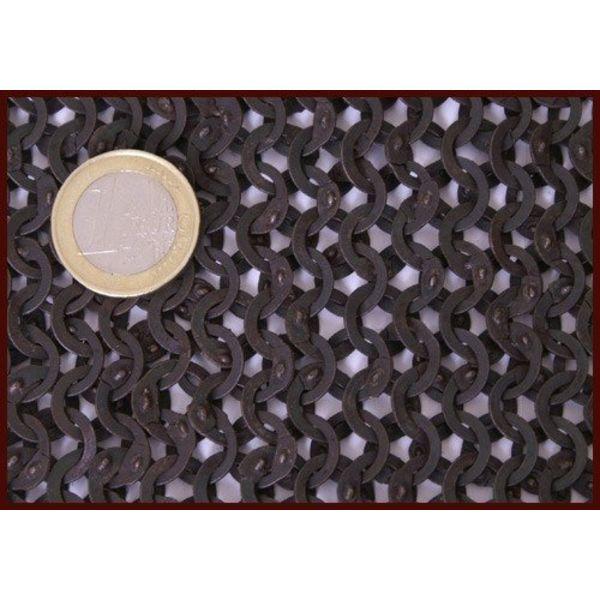 Ulfberth Coif med firkantet halsudskæring, Flade ringe - kile nitter, 8 mm