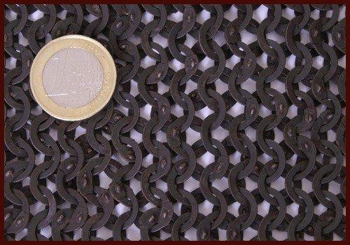 Camail avec encolure carrée, anneaux plats-rivets triangle, 8mm