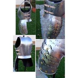 Decorated infantry cuirass
