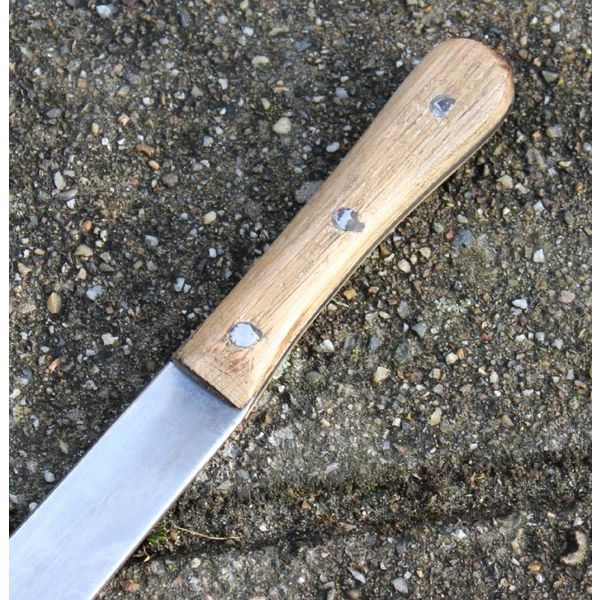Deepeeka Seax with oakwooden handle