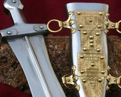 Replica Romeinse pugio gebaseerd op archeologische vondsten