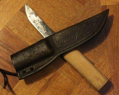 Facas e facas utilitárias baseadas em exemplos históricos