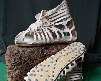 Romerska och grekiska skor
