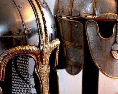 Vikinghjälmar