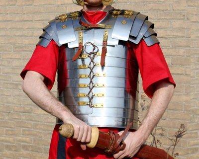 Armaduras celtas, romanas, etrusca y griega