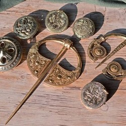 Viking, broches germaniques et irlandaises