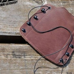 Gloves, nocks & other accessories