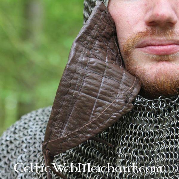 Ulfberth Coif com viseira triangular, anéis redondos - rebites redondos, 8 milímetros