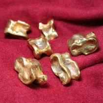 Romeinse astragalus (bikkelsteen), messing