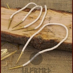 Warkocze z zakończenia sznurowadeł