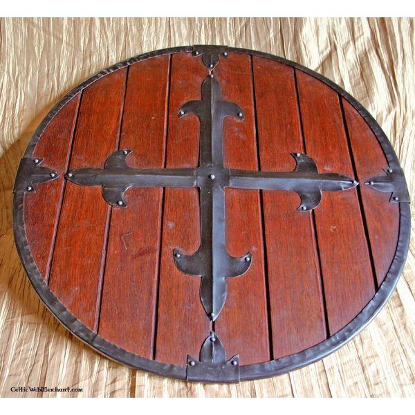 escudo redondo de madeira com transversal