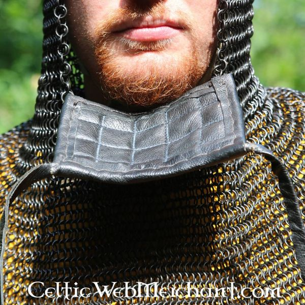 Ulfberth Coif med firkantet visir, 8 mm