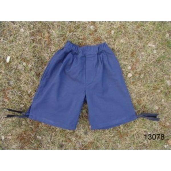 três calças trimestre do menino