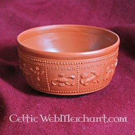 Romersk drikkekop med Zodiac i relief