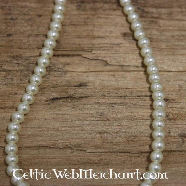 Tudor pearl necklace